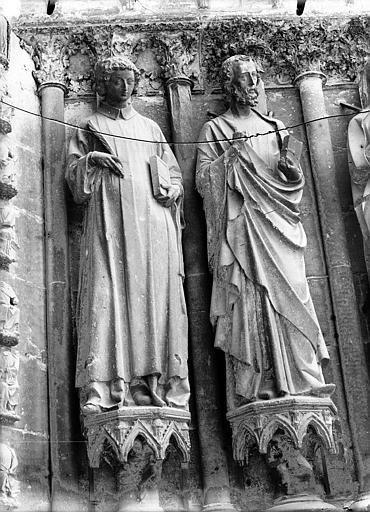Cathédrale Notre-Dame Portail ouest, deux statues du portail gauche, Lajoie, Abel,