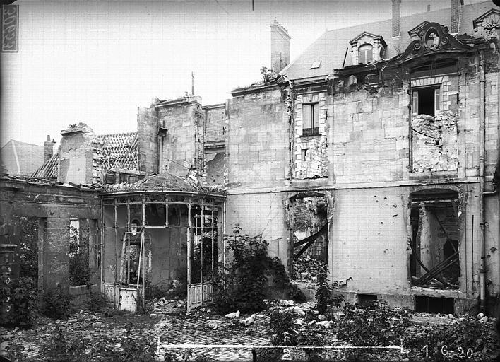 Maison Façade sur jardin, Verneau, G.,