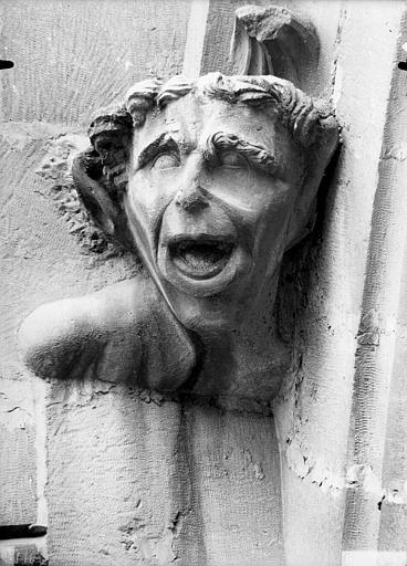 Cathédrale Notre-Dame Tête d'amortissement, arc de l'abside, homme criant, Lajoie, Abel,