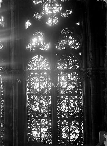Cathédrale Notre-Dame Chapelles du choeur, vitrail M, Gaudin,