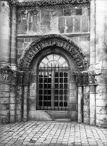 Eglise Sainte-Marie-aux-Dames (ancienne) Baie de droite, Heuzé, Henri (photographe),