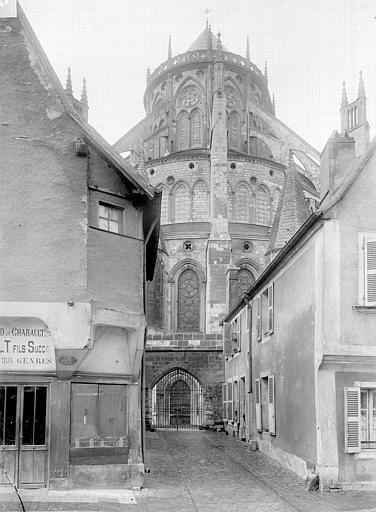 Cathédrale Saint-Etienne Chevet pris d'une rue, Durand, Jean-Eugène (photographe),