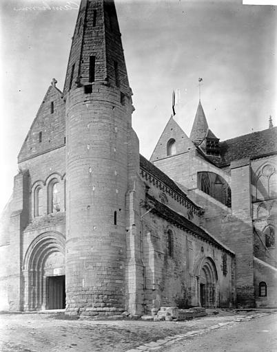 Eglise Saint-Lucien Côté sud-ouest, clocher, Enlart, Camille (historien),