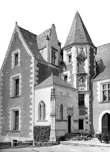Château du Clos-Lucé ou Maison de Léonard de Vinci Façade avec la tourelle d'angle, Mieusement, Médéric (photographe),
