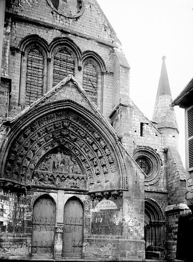 Eglise Saint-Etienne Portail, Enlart, Camille (historien),