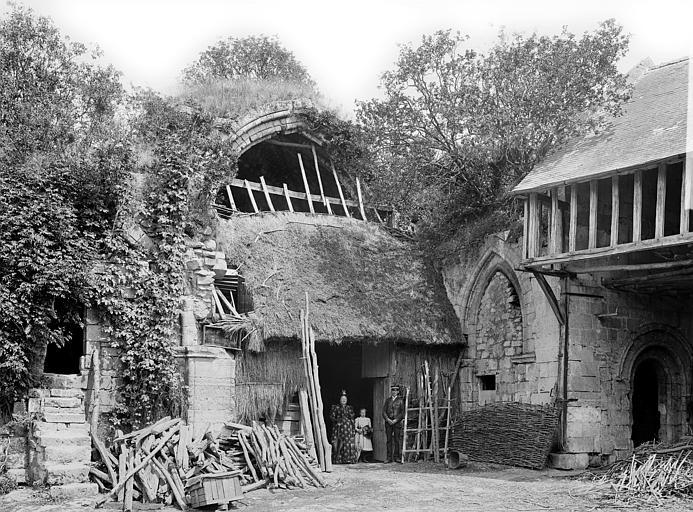 Prieuré de Bellefontaine (restes) Eglise : Vue intérieure de l'abside, Durand, Jean-Eugène (photographe),