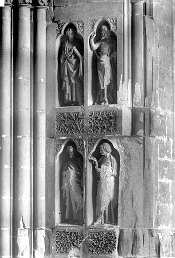 Cathédrale Notre-Dame Revers du portail nord de la façade ouest : Statues, côté sud, 3e et 4e registres, Sainsaulieu, Max (photographe),