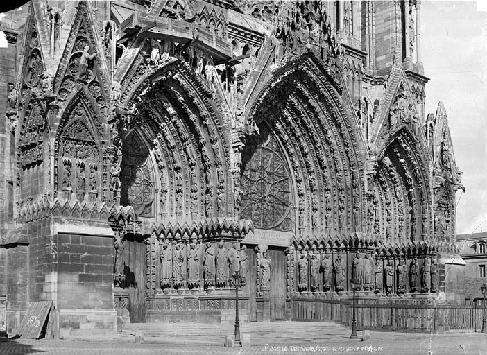 Cathédrale Notre-Dame Façade ouest : partie inférieure, Mieusement, Médéric (photographe),
