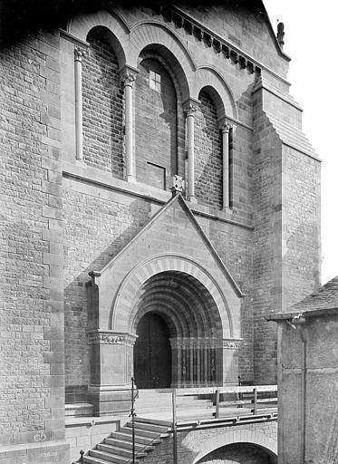 Cathédrale de la Trinité Portail de la façade ouest, Mieusement, Médéric (photographe),