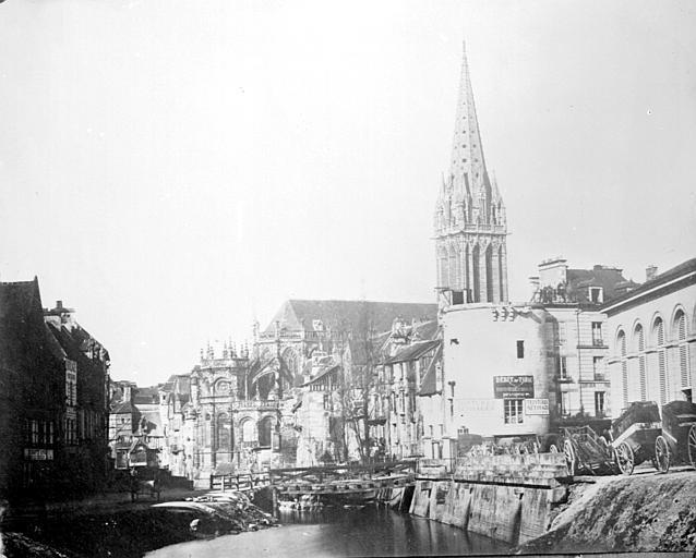 Eglise Saint-Pierre Reproduction : ensemble nord-est, Heuzé, Henri (photographe),