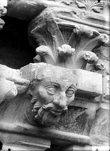 Cathédrale Notre-Dame Corbeau, chapiteau, Lajoie, Abel,