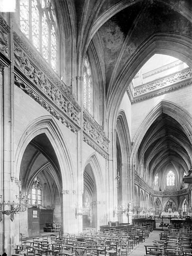 Eglise Saint-Jean Vue intérieure de la nef, vers le nord-est, Heuzé, Henri (photographe),