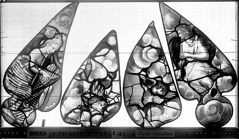 Eglise Saint-Nicaise Vitrail, fenêtre 5, bas-côté sud, écoinçons, Heuzé, Henri (photographe),