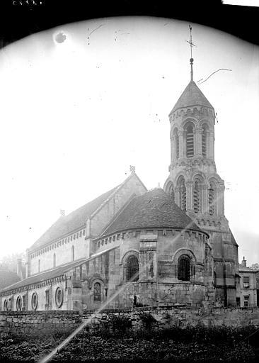 Eglise Abside et clocher au sud, Enlart, Camille (historien),