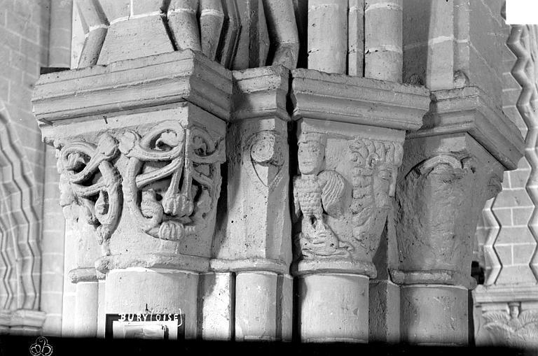 Eglise Saint-Lucien Chapiteaux d'un pilier de la nef et du bas-côté, Robert, Paul (photographe),