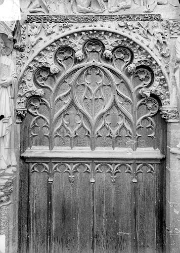 Cathédrale Saint-Etienne Portail central de la façade ouest : arc de droite, vue d'ensemble, Doucet ; Baudet (photographe),