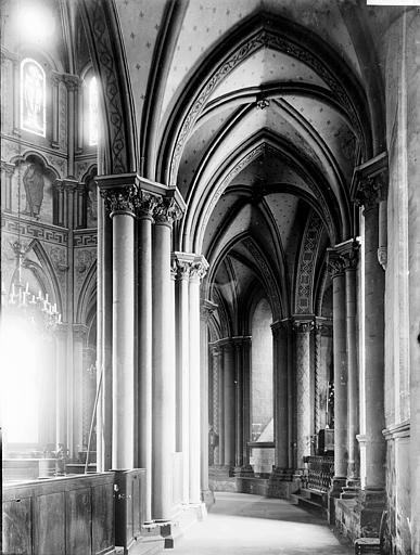 Eglise Notre-Dame-du-Marthuret Déambulatoire, Enlart, Camille (historien),
