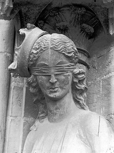 Cathédrale Notre-Dame Statue de la Synagogue, buste, Lajoie, Abel,