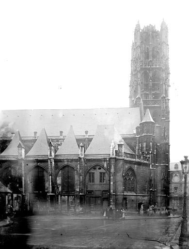 Eglise Saint-Laurent Clocher et partie latérale, Enlart, Camille (historien),