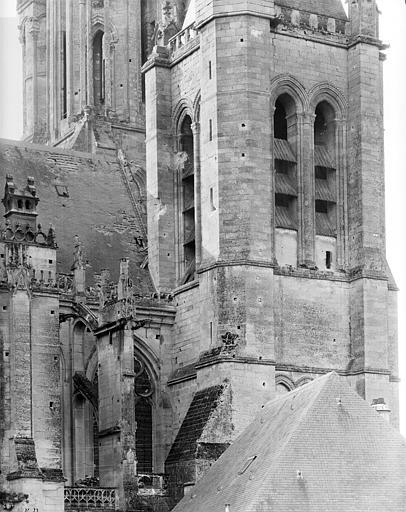 Eglise Notre-Dame ; Cathédrale (ancienne) Façade nord : Tour-clocher et toiture de la nef (1e travée), Durand, Jean-Eugène (photographe),