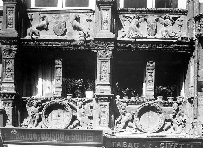 Chancellerie Façade sur la place, détail, Durand, Eugène (photographe),