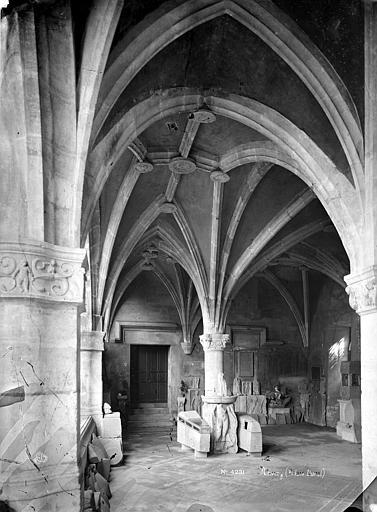 Palais Ducal (ancien) ; Musée Lorrain Grand vestibule sour le porche, Mieusement, Médéric (photographe),