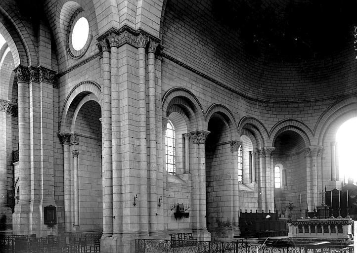Cathédrale Saint-Pierre Choeur, Enlart, Camille (historien),