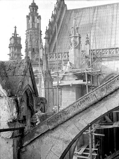 Cathédrale Arcs-boutants, Chaine, Henri (architecte),