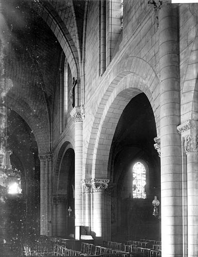 Eglise Saint-Denis Travées de la nef, Enlart, Camille (historien),