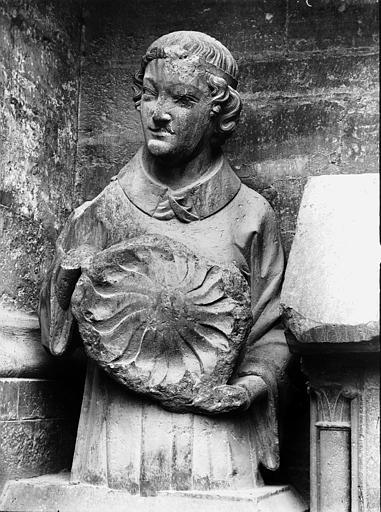 Cathédrale Notre-Dame Ange portant le soleil, Lajoie, Abel,