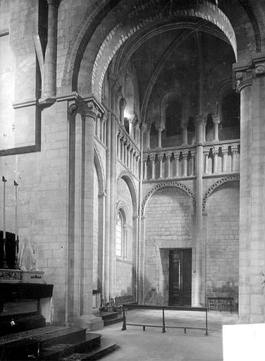 Abbaye aux Dames (ancienne), Eglise Sainte-Trinité Vue intérieure du transept nord, Heuzé, Henri (photographe),