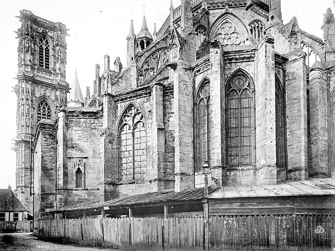 Cathédrale Saint-Cyr-et-Sainte-Julitte Abside et clocher, côté sud-est, Mieusement, Médéric (photographe),