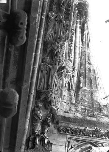 Cathédrale Notre-Dame Rose ouest, partie supérieure de la voussure, bas-reliefs, côté droit, Lajoie, Abel,