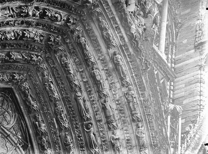 Cathédrale Notre-Dame Portail ouest, porte centrale, voussure droite, partie supérieure, Lajoie, Abel,