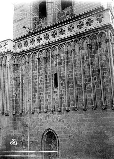 Cathédrale Saint-Nazaire (ancienne) Clocher, arcatures aveugles, ,
