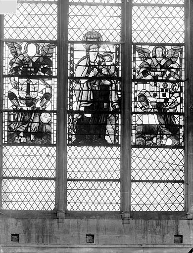 Cathédrale Saint-Vincent (ancienne) Vitrail de la nef, côté sud (restes) : Vierge à l'Enfant entre deux anges, Heuzé, Henri (photographe),