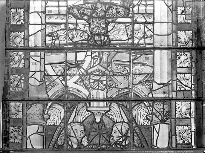 Cathédrale Saint-Etienne (ancienne) Vitrail du transept nord, fenêtre A, panneaux médians, Romanais (photographe),