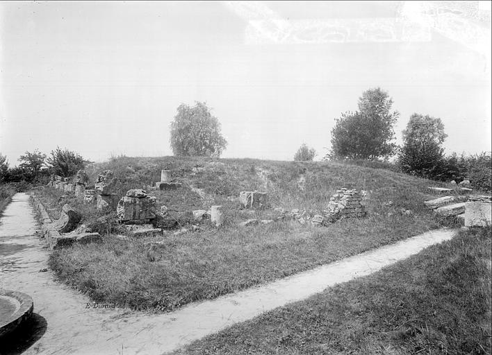 Ruines gallo-romaines Temple, Durand, Jean-Eugène (photographe),