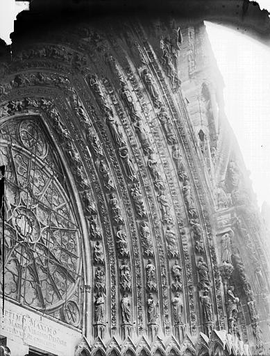 Cathédrale Notre-Dame Portail ouest, porte centrale, voussure droite, Lajoie, Abel,