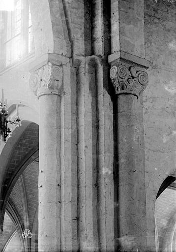 Eglise Saint-Sauveur Chapiteaux du choeur, Mieusement, Médéric (photographe),