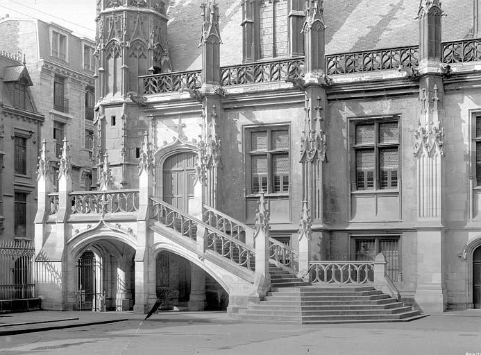 Palais de Justice Façade et escalier sur cour, Durand, Jean-Eugène (photographe),