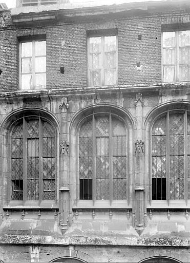 Cathédrale ; Passage des Libraires Façade : fenêtres, Durand, Jean-Eugène (photographe),