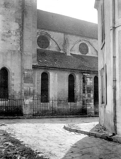 Eglise Partie de la façade nord, Chaine, Henri (architecte),