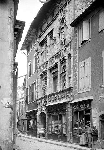 Maison des Têtes Façade sur rue, Mieusement, Médéric (photographe),