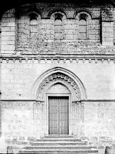 Eglise Portail ouest, Enlart, Camille (historien),