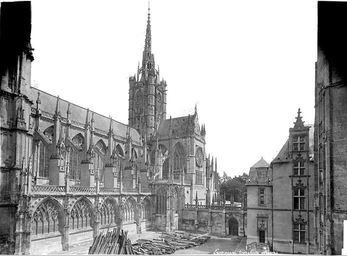 Cathédrale Notre-Dame Façade sud et évêché, Mieusement, Médéric (photographe),