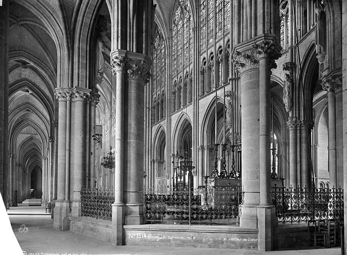 Cathédrale Saint-Pierre Vue intérieure du déambulatoire, côté sud, Mieusement, Médéric (photographe),