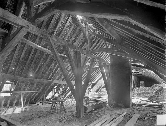 Abbaye de Clairvaux (ancienne) Cellier, bâtiment principal : charpente, Heuzé, Henri (photographe),