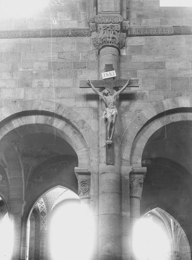 Cathédrale Saint-Dié Colonnes et chapiteaux de la travée du Crucifix, Durand, Georges (photographe à Amiens),