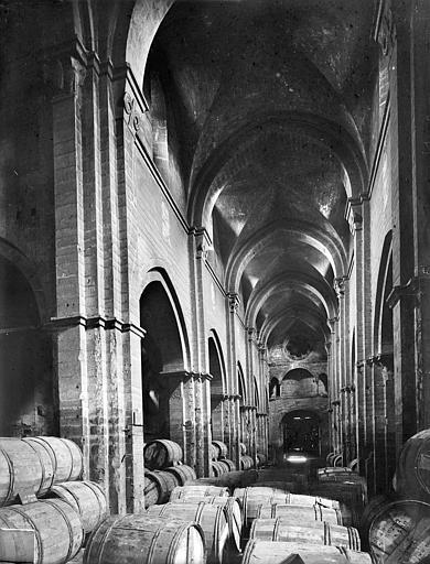 Eglise Saint-Philibert (ancienne) Vue intérieure de la nef, vers l'entrée, Heuzé, Henri (photographe),